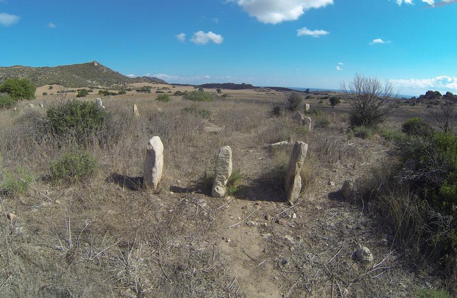 Menhirs-Cuili-Piras-Domus-de-Janas19
